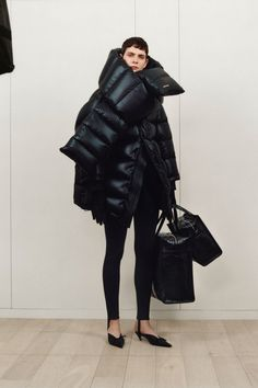 Balenciaga  #VogueRussia #prefall #fallwinter2017 #Balenciaga #VogueCollections
