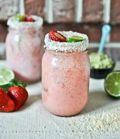 Fresh Strawberry Coconut Margaritas | howsweeteats.com