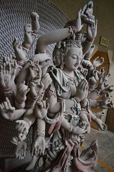 千手观音#guanyin #kuanyin #Art Sculpture Images, Art Sculpture, Buddha Painting, Buddha Art, Ancient Egyptian Religion, Ancient Art, Art Chinois, Indonesian Art, Historical Art