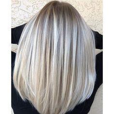 Honey Blonde Hair, Blonde Hair Looks, Platinum Blonde Hair, Natural Blonde Balayage, Blonde Hair Shades, Platinum Grey, Brown Balayage, Blonde Wig, Gray Hair Highlights