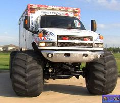 WHAMBULANCE! Monster truck ambulance if i ever have to ride in a ambulance i want it to be a monster truck version