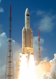 Arianespace aims for new satellite launch record in 2014