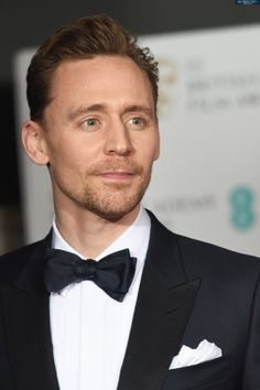 Tom Hiddleston at the 70th EE BAFTAs on February 12, 2017 in London, England. Via tomhiddleston.us (http://tomhiddleston.us/gallery/displayimage.php?album=982&pid=43544#top_display_media ) Full size image: http://tomhiddleston.us/gallery/albums/2017/Events/Feb12thPress/042.jpg