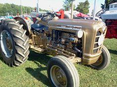 """Ford 871 diesel, """"demo gold"""" dealer model"""