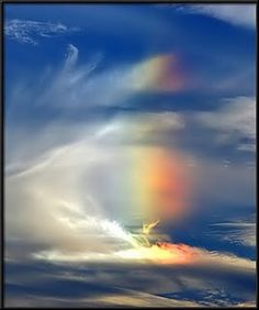 I see angels in the clouds and magic in the rainbows. Fire Rainbow, Rainbow Magic, Over The Rainbow, Angel Clouds, Sky And Clouds, Chakra, Cool Photos, Beautiful Pictures, Buddha