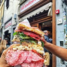 Buongiorno così 😁 Tagga il tuo compagno/a di schiacciate 👇🏻 Cheddar, Mascarpone Dessert, Florence Food, Bagel, Sandwiches, Menu, Restaurant, Italy, Instagram Posts