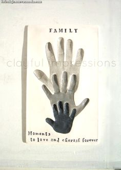 Espectacular Family-Personalized gift of their handprints door Dprintsclayful  #dprintsclayful #family #handprints #personalized #their