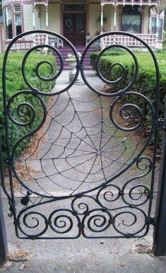 Metal Garden Gates, Metal Gates, Wrought Iron Decor, Wrought Iron Gates, Chicken Wire Art, External Front Doors, Iron Art, Entrance Gates, Metal Artwork