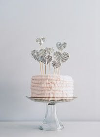 the paper pony: How to :: Make a Glitter Heart Cake Topper