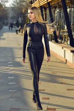 Click per ingrandire Sexy Outfits, Dope Swag Outfits, Curvy Outfits, Fashion Outfits, Steampunk Fashion, Gothic Fashion, Looks Pinterest, Leder Outfits, Elegantes Outfit