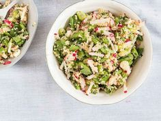 This light quinoa salad, filled with scallions, mint, and crisp snap peas, makes a perfect summer side dish for picnics and barbecues. Picnic Side Dishes, Summer Side Dishes, Vegetarian Recipes, Cooking Recipes, Healthy Recipes, Healthy Meals, Quinoa Salat, Quinoa Bowl, Lentil Salad