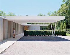 Hampton Home by Shigeru Ban & Dean Maltz carport Carport Designs, Garage Design, Architecture Details, Modern Architecture, Ancient Architecture, Sustainable Architecture, Carport Modern, Mid Century Exterior, Carport Garage