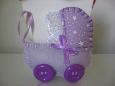 carrinho de bebê de feltro