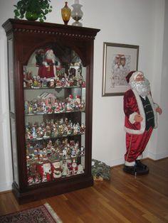 I love collectible Santas ...  I really, really do!