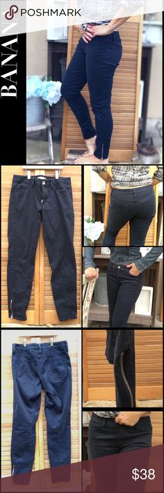 """ANKLE ZIP Dark Navy Jodhpur Pants NWOT Jodhpurs from Banana Republic. Nice quality fabric, 5 pocket styling, tapered ankle.  ordered a 28 short so they would fit more like ankle pants- length was awesome but too big on me. Tagged 28S 98% cotton 2% spandex. Rise 8.5"""", Inseam 28"""", Waist 16"""" Banana Republic Pants Ankle & Cropped"""
