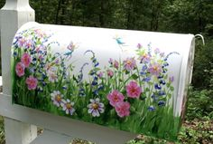 Painting the mailbox with pretty colors and flowers. Unique Mailboxes, Painted Mailboxes, Garden Painting, Tole Painting, Mailbox Flowers, Mailbox Makeover, Learn To Paint, Painting Patterns, Yard Art