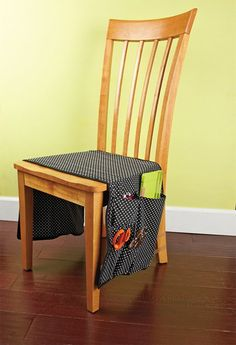 DIY Fabric Craft Tool Caddy for Chairs. A great idea for easy access to craft tools!    clubcreatingkeeps...