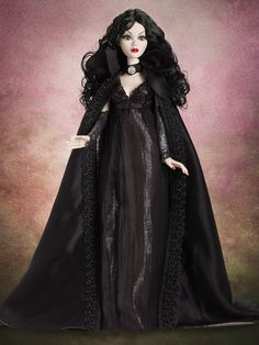 Evangeline Ghastly Under A Cloak of Darkness Outfit