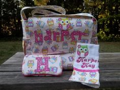 Love love love!!    Owl Diaper bag with matching burp cloth and by BaconBitsCreations, $70.00