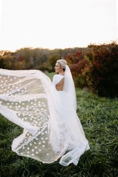 See this beautiful bridal moment and more in Lauren Conrad's Friday Faves