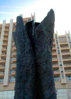 L'arbre-main d'Abakanowicz, Biarritz. Aquitaine