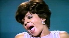 1987 (Just another rendition of this classic song by vocal powerhouse, Shirley Bassey!) This clip, Shirley performs in Berlin celebrating the city's existenc. Music Pics, Music Tv, Good Music, Music Videos, Nostalgic Songs, Unforgettable Song, Uk Charts, Shirley Bassey, Top 10 Hits