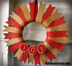 Make Your Own DIY Christmas Crackers Silver Or Gold To Personalise Xmas - My Cute Christmas Disney Christmas Decorations, Blue Christmas Decor, Christmas Crafts For Kids, Diy Christmas Gifts, Simple Christmas, Holiday Crafts, Christmas Wreaths, Christmas Ornaments, Burlap Christmas