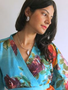 Knee length Robe Style Made From D4 Fabric Pattern