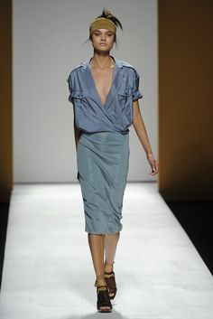 Max Mara RTW Spring 2013 - Runway, Fashion Week, Reviews and Slideshows - WWD.com