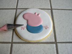 "Biscotti Peppa Pig ""George"" Peppa Pug, Peppa Pig Birthday Cake, Goodies, Decorated Cookies, Calendar, Meet, Sweet Like Candy, Gummi Candy, Sweets"