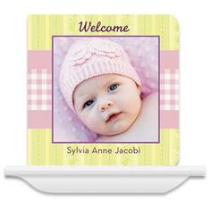 Site where you can make personalized board books for babies - great gift idea.