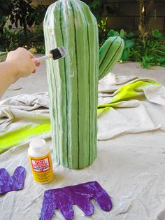DIY papier mache cactus. I think we can figure this one out even if it is in German!!!