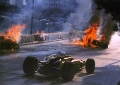 1967 Monaco Grand Prix Absolute carnage in the streets of Monaco.... http://dmark.us/v2cigs