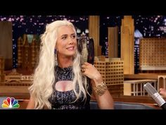 """Kristen Wiig Dressed Up As Daenerys Targaryen On """"The Tonight Show"""" And Couldn't Keep A Straight Face"""