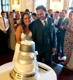 The most beautiful Bride & Groom with the wedding cake @stacey_._rose made!! Amazing  Huge congratulations Mr & Mrs Wayre  #wedding #brideandgroom #mrandmrs #shemadeherowncake #staceygotherdreamwedding