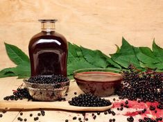 """The Oldest """"New"""" Cold and Flu Remedy - Green Valley Natural Solutions Elderberry Supplement, Gastro Entérite, Low Carb Quiche, Elderberry Syrup, Elderberry Recipes, Flu Remedies, Vegetable Puree, Pancakes And Waffles, Eating Raw"""