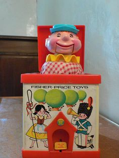 Jack in the box . My sister had this, Fisher Price toys were not common in the UK when I was little but we got plenty of enjoyment from kindly playing with our baby sister! Jack In The Box, Fisher Price Toys, Vintage Fisher Price, 1970s Childhood, My Childhood Memories, Retro Toys, Vintage Toys, 1970s Toys, 80s Kids