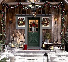 Christmas Porch Decorating Ideas Here are some creative Christmas decoration ideas to help you get inspired. Pottery Barn Christmas, Cabin Christmas, Noel Christmas, Little Christmas, Country Christmas, All Things Christmas, Winter Christmas, Christmas Wreaths, Christmas Ornaments