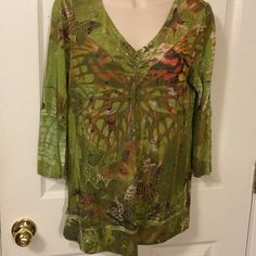"""NEW ONE WORLD BUTTERFLY PL VNECK TOP Petite large polyester Rayon blend machine washable...measures 38"""" bust..17"""" sleeve..26"""" length ONE WORLD Tops Blouses"""