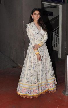 Aditi Rao Hydari wearing our Hand Embroidered Phoolbel Overlap 16 Kali Kurta and Hand embroidered Phool bel Circular Lehenga from ICW 2017 collection Parizaad by Rahul Mishra. Indian Gowns Dresses, Pakistani Dresses, Kurta Designs, Indian Attire, Indian Outfits, Casual Indian Fashion, Cotton Gowns, Indian Designer Suits, Dress Indian Style