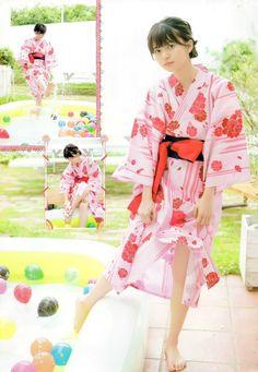 齋藤飛鳥 乃木坂46 Beautiful Japanese Girl, Japanese Beauty, Asian Beauty, Kimono Japan, Japanese Kimono, Saito Asuka, Barefoot Girls, Body Poses, Japan Girl