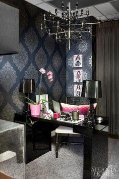 khloe kardashian home decor | the kardashians employee office jenner communications intwdior dwsifn ...