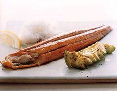 Maple-Soy-Glazed Mackerel Fillets with Avocado / Romulo Yanes Surimi Recipes, Endive Recipes, Avocado Recipes, Fish Recipes, Seafood Recipes, Indian Food Recipes, Game Recipes, Tinned Mackerel Recipe, Mackerel Fillet Recipes