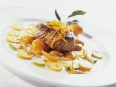 Schweinemedaillon mit Kumquat ist ein Rezept mit frischen Zutaten aus der Kategorie Schwein. Probieren Sie dieses und weitere Rezepte von EAT SMARTER!