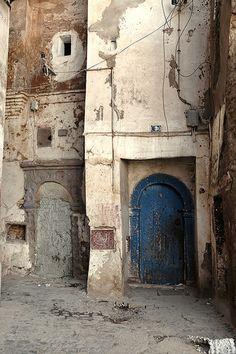 Algerian door