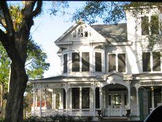 Sugar plantation house on Bayou Teche in New Iberia, Louisiana.