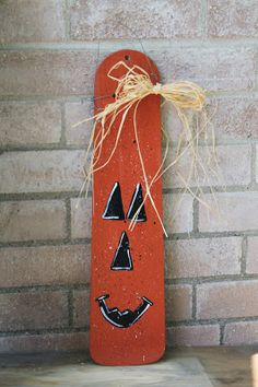 Halloween pumpkin from a fan blade - cute! Fall Halloween, Halloween Crafts, Halloween Decorations, Fall Decorations, Happy Halloween, Halloween Stuff, Fall Crafts, Crafts To Make, Holiday Crafts
