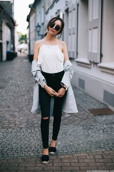 ruffle top fashion blogger, street style, casual summer outfit