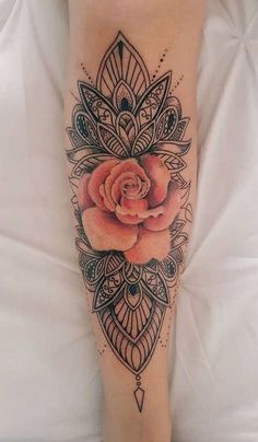 Cooles Tribal einzigartiges Mandala-Aquarell-Rosa-Rosen-Unterarm-Tattoo - DIY Tattoo tattoos for women - Tattoo MAG Girly Tattoos, Cute Tattoos, Beautiful Tattoos, Body Art Tattoos, Small Tattoos, Pink Rose Tattoos, Tatoo Rose, Forearm Flower Tattoo, Feminine Tattoos