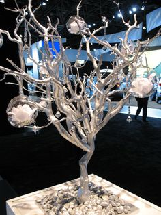 Have a manzanita silver tree already- add clear ornaments filled with fake snow/ snowflakes Manzanita Tree Centerpieces, Manzanita Branches, Table Centerpieces, Wedding Centerpieces, Wedding Decorations, Centerpiece Ideas, Crystal Tree, Crystal Beads, Centre Pieces